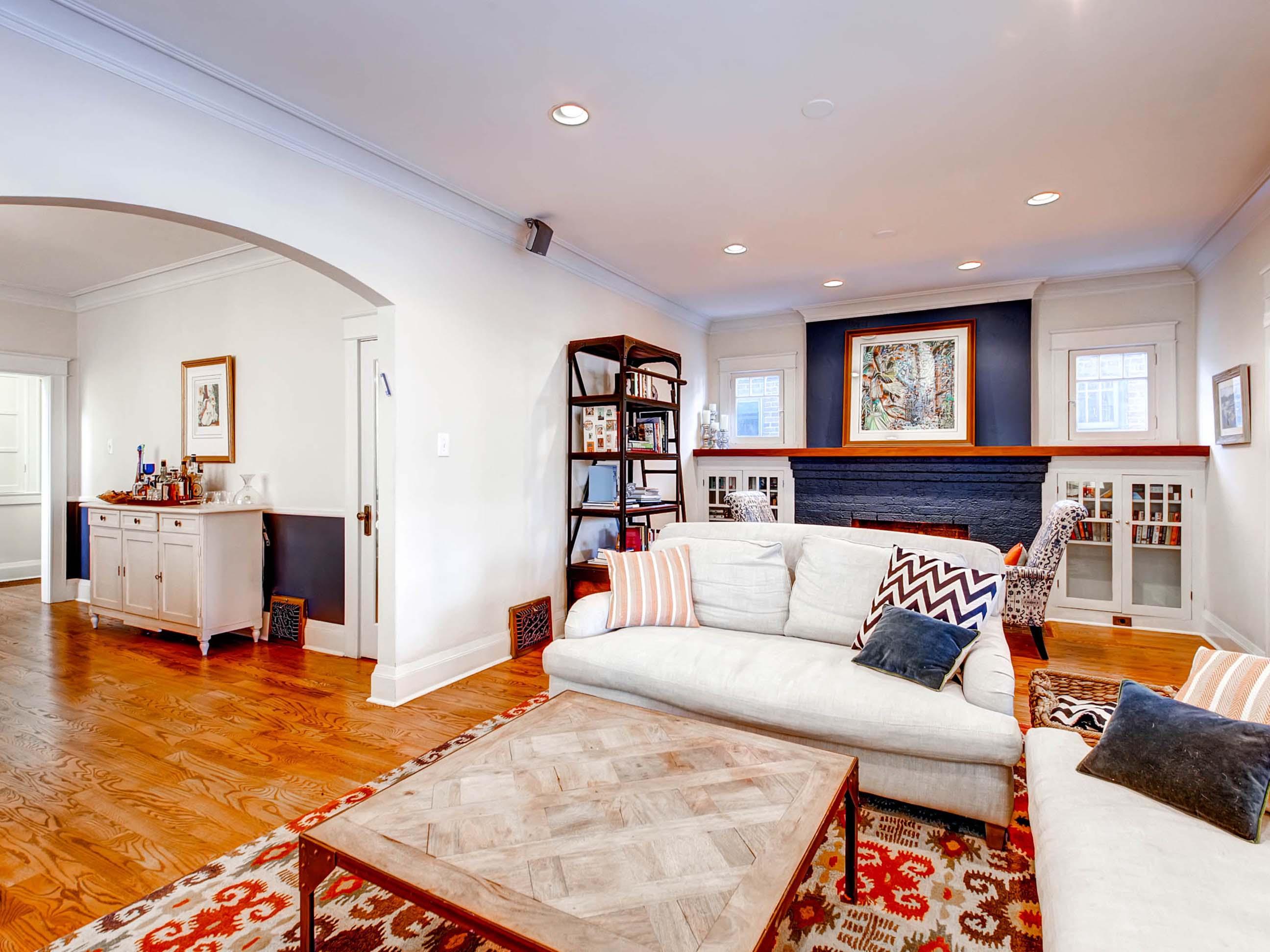 409 High Street Denver CO MLSSize 007 6 Living Room 2592x1944 72dpi